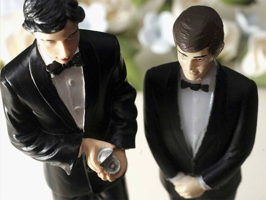 gay-wedding-cake-toppers